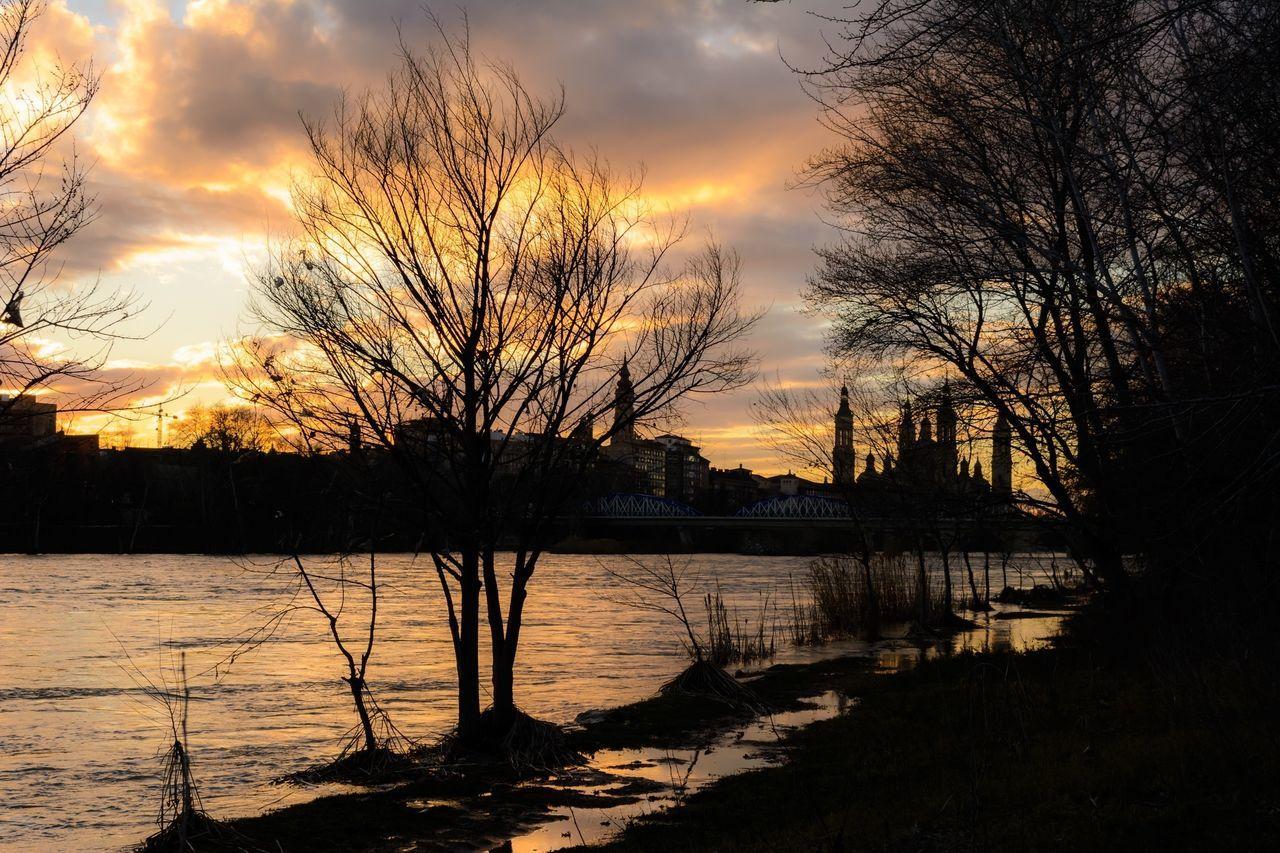 River Sunset Sunset #sun #clouds #skylovers #sky #nature #beautifulinnature #naturalbeauty #photography #landscape Zaragoza
