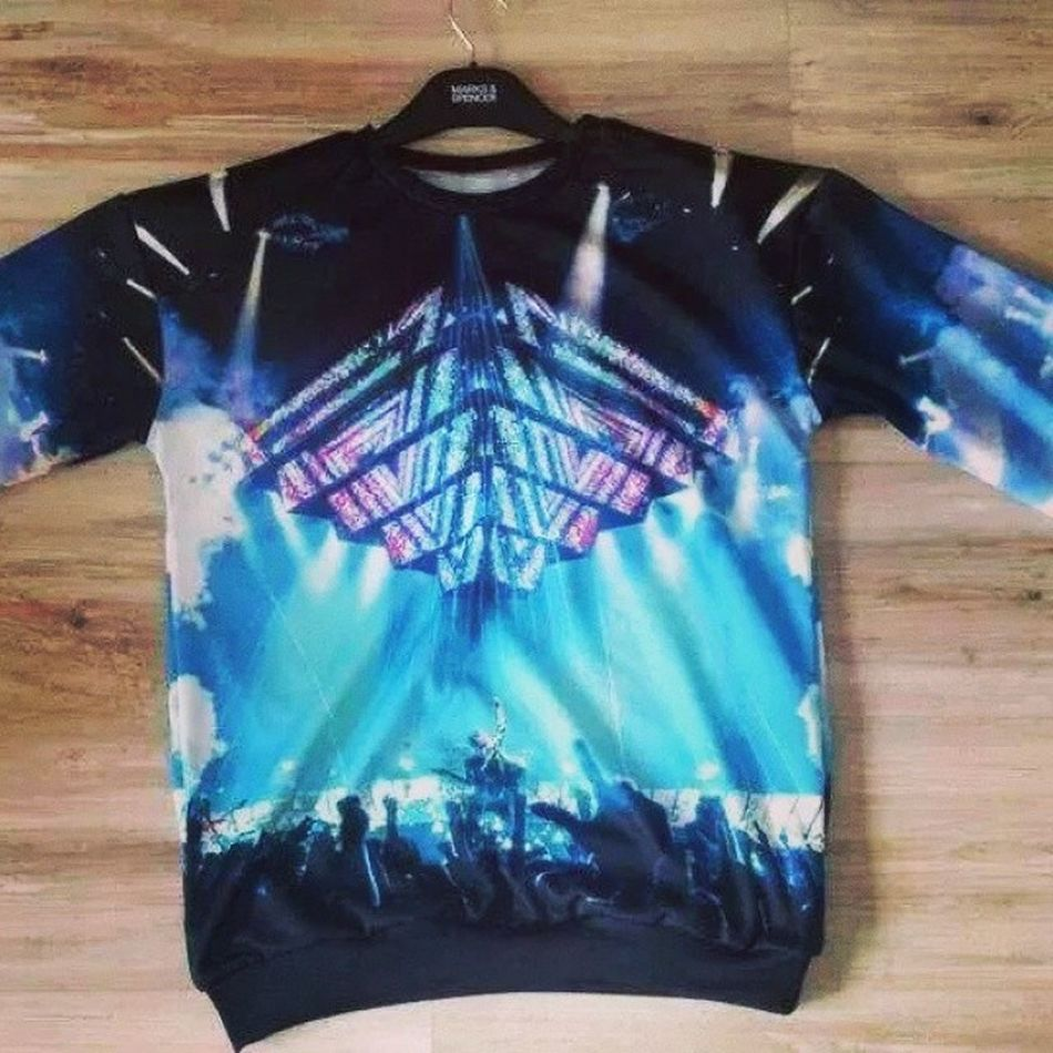 I want it now!!! <3 Muse The2ndlawtour Muser Muserforever jumper