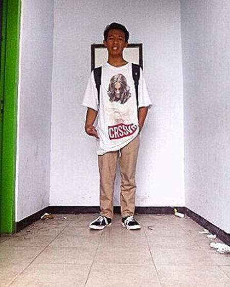 Berdiri kokoh Crossover Dickies Vans Others