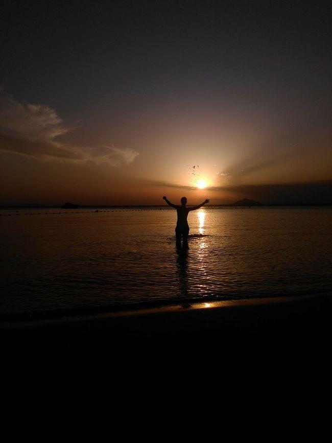 Sunset Silhouette Horizon Over Water Beach Reflection One Person Tranquil Scene Landscape Lamanga Lamangadelmarmenor Siluetasgrafias Murciaviva Murcia Murciagramers Murcia Nature Playas Outdoors EyeEmNewHere Lost In The Landscape