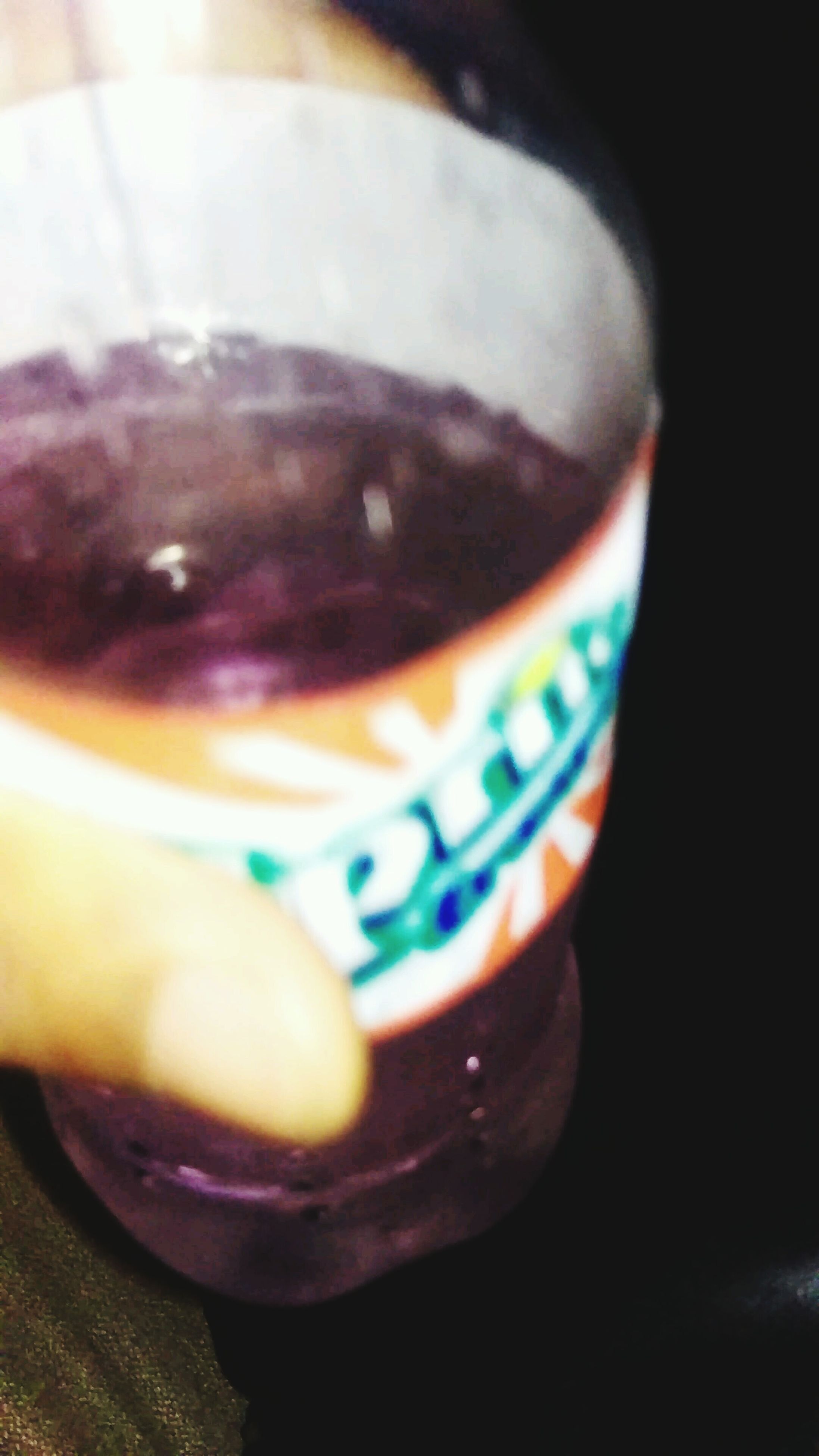 drink, food and drink, close-up, refreshment, indoors, part of, person, focus on foreground, drinking glass, freshness, cropped, lifestyles, alcohol, holding, leisure activity, coffee cup, frothy drink