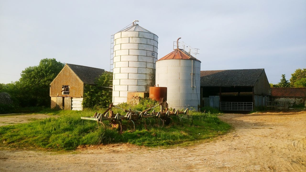Built Structure Building Exterior Architecture Silo Grass Storage Tank No People Day Outdoors Warehouse Sky