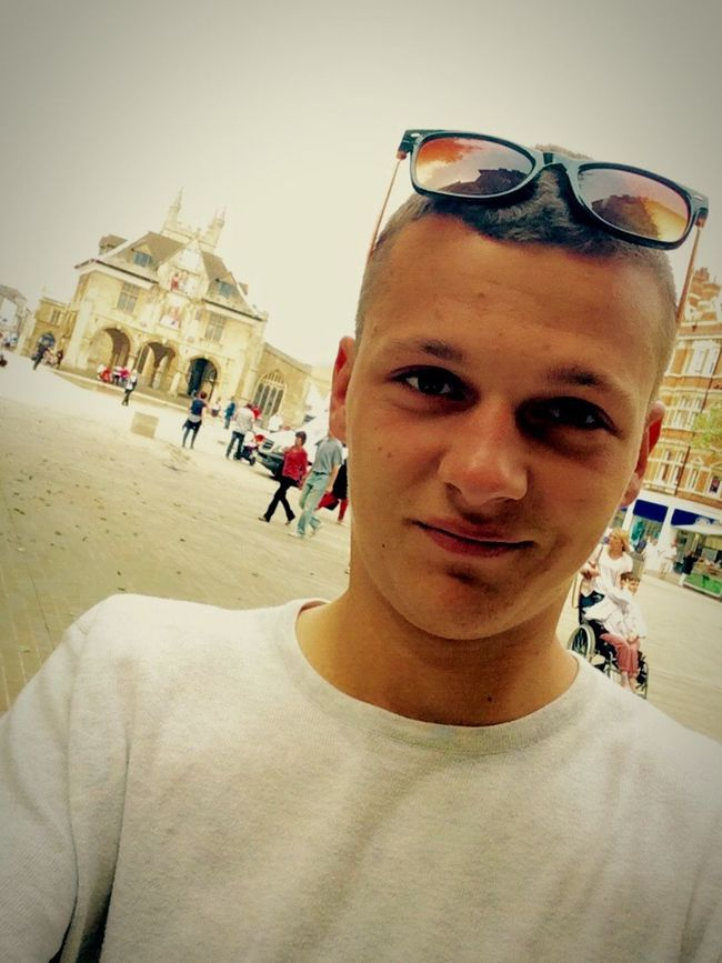 Summer Sunny Day Chilling Selfie ✌ United Kingdom