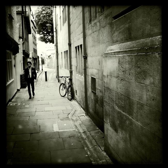 Lost in Oxford. Not a bad place to be. Or not to be. That's the question, I guess. Flashbackfriday Photojournalism Streetphotography EyeEm Best Shots Eye4photography  Check This Out Hipstamatic Oxford
