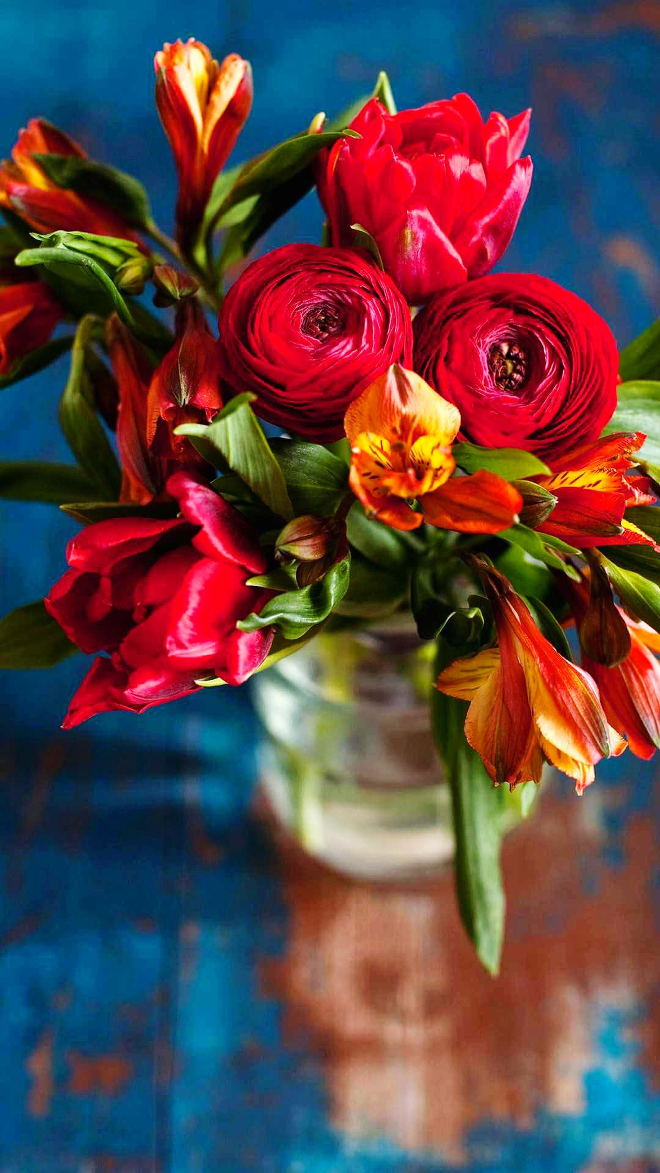 flower, petal, beauty in nature, fragility, freshness, flower head, red, nature, bouquet, no people, vase, close-up, day, outdoors