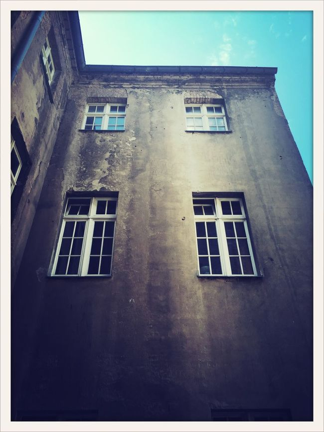 Architecture Backquard Berlin Blue Day Hinterhof No People TakeoverContrast Window