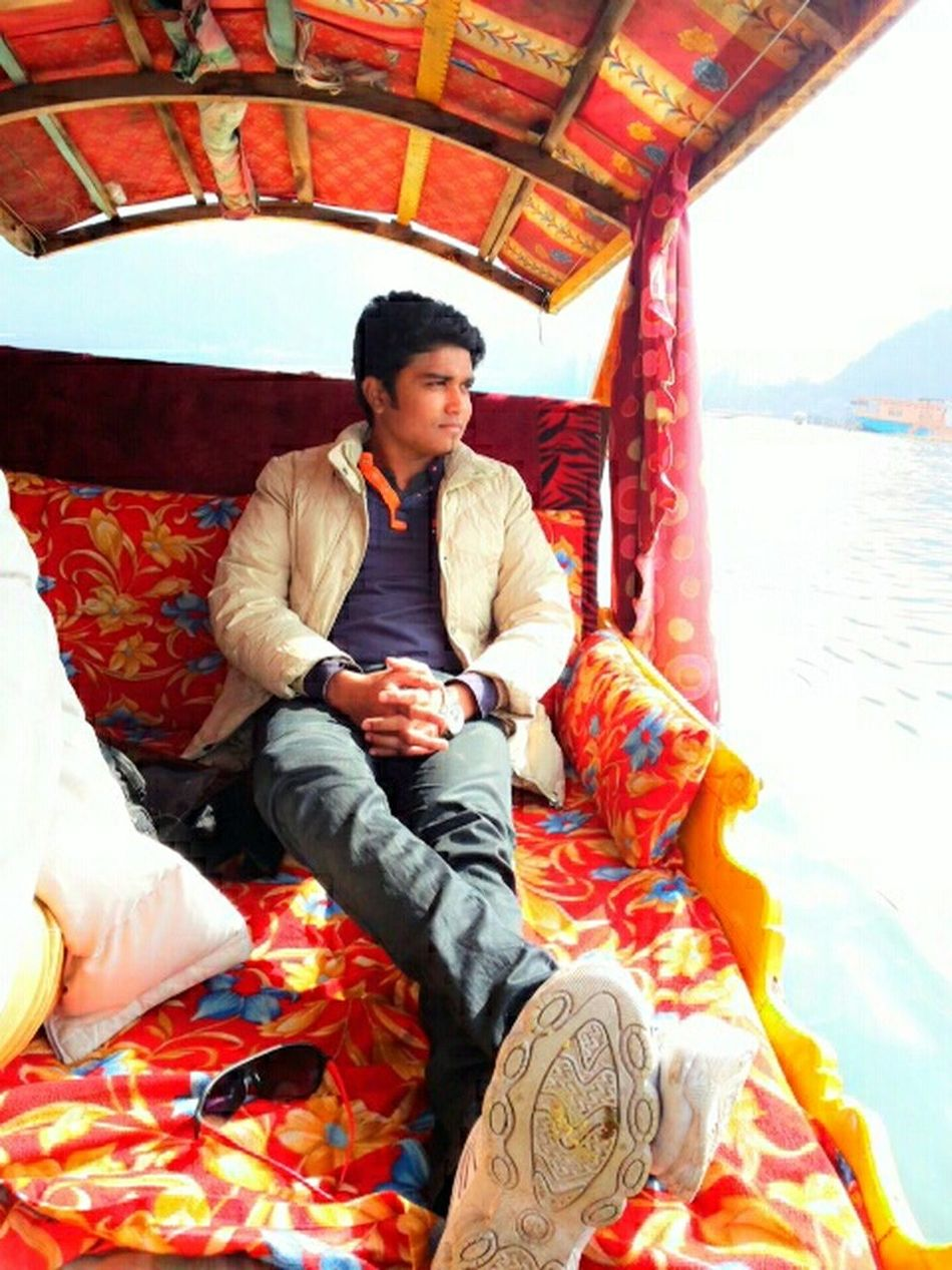 Kashmir , India Dal Lake, Srinagar Shikhara Awsome Weather Peace ✌ Zheelonka Sheher :-*