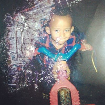 ??Flashback 1997 when I was a child Throwback Past Photo Cool pic child