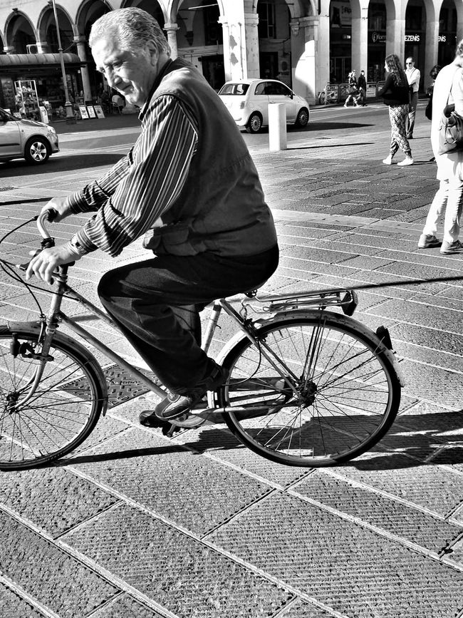 Bicycle Full Length Transportation Street Mode Of Transport Outdoors Land Vehicle Real People One Person Cycling Adults Only Day City Adult People CyclingUnites Black And White City Street Photo EyeEm Gallery Street Photography Capture The Moment Bycicle Old Man EyeEm Best Edits