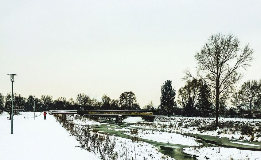 SIMPLY People Watching Running Down By The River Cold Temperature Scenery Shots Winter Wonderland Melancholic Landscapes Hometown Impressionism Beauty In Ordinary Things