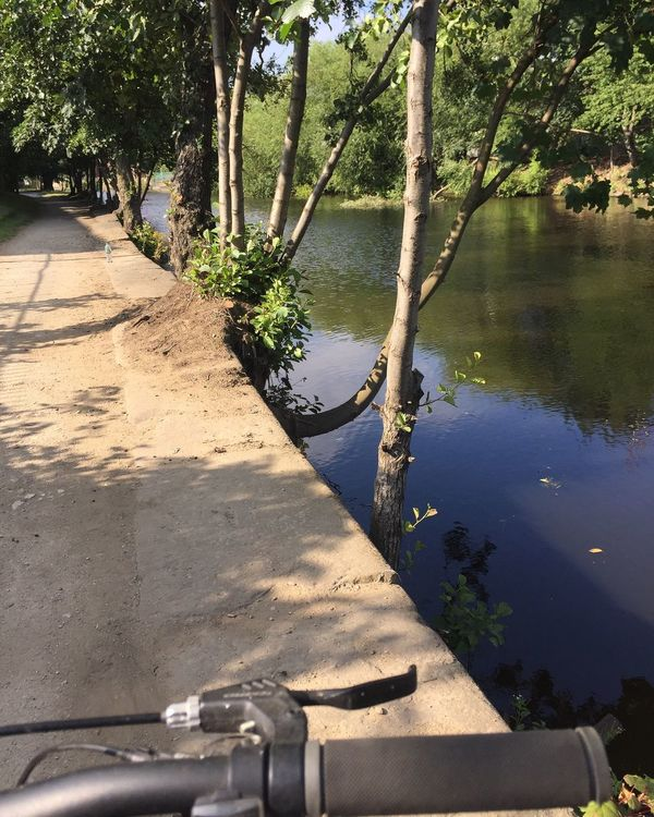 Leeds Liverpool Canal Cycling Leeds Dock