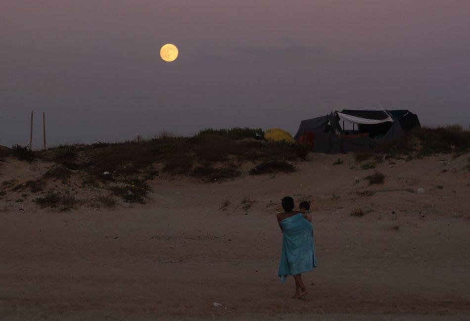 Beautiful stock photos of full moon, Beach, Child, Childhood, Dusk
