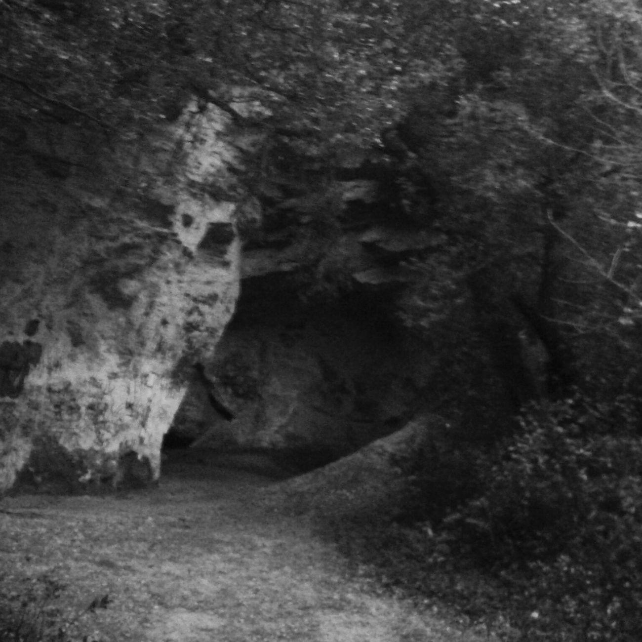 Grotte du Trou de la Lune - Les Angles Trailrunning Trail Running Trail Running Les Angles Gard Trou De La Lune