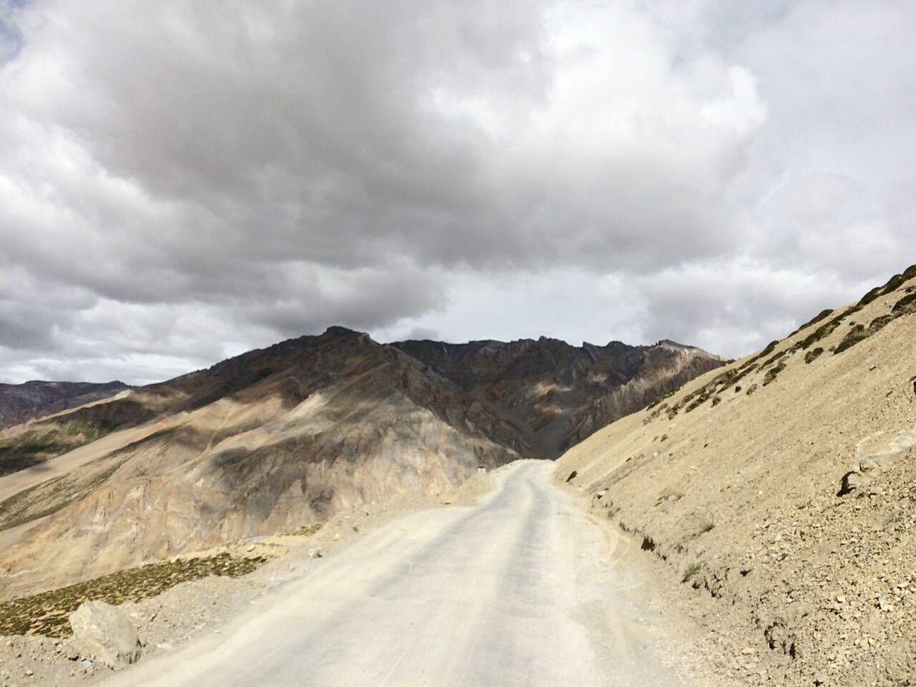 The Way Forward Transportation Cloud - Sky Country Road Mountain Range Landscape Road Leh Ladakh Heaven♥ EyeEm Nature Lover Winter Snow Nature Leh Ladakh.. Rocky Bad Condition Mountain @ranjhan