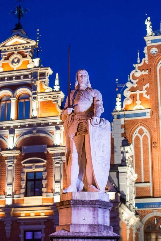 Latvia Riga Riga Old Town Rigailoveyou Evening Lights Melngalvju Nams Ratslaukums
