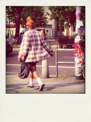 streetfashion at Senefelderplatz by shillinberlin