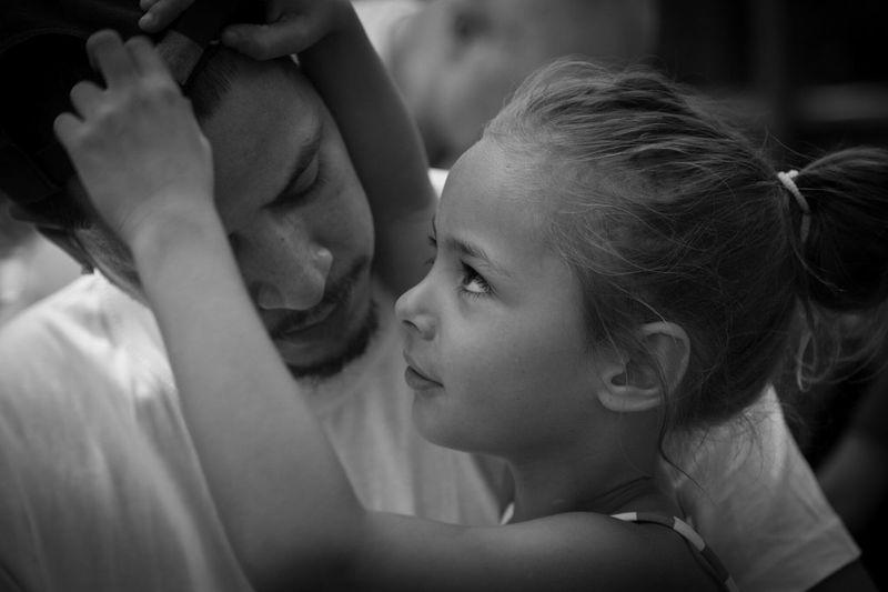 Mein Bruder und Seine Tochter. Liebe Familie Schön Rein Glück Brother Niece  Love Family Beautiful Pure Happiness Figlia Padre Nipote Fratello Amore Famiglia Bellissimo Puro Felicità дочь отец племянница брат