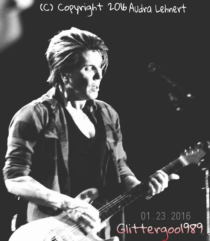 Their performace that night was definitely one to remember😍😍😍🎤🎸 I love the expression I captured in this frame FireKeepers Casino Goo Goo Dolls John Rzeznik