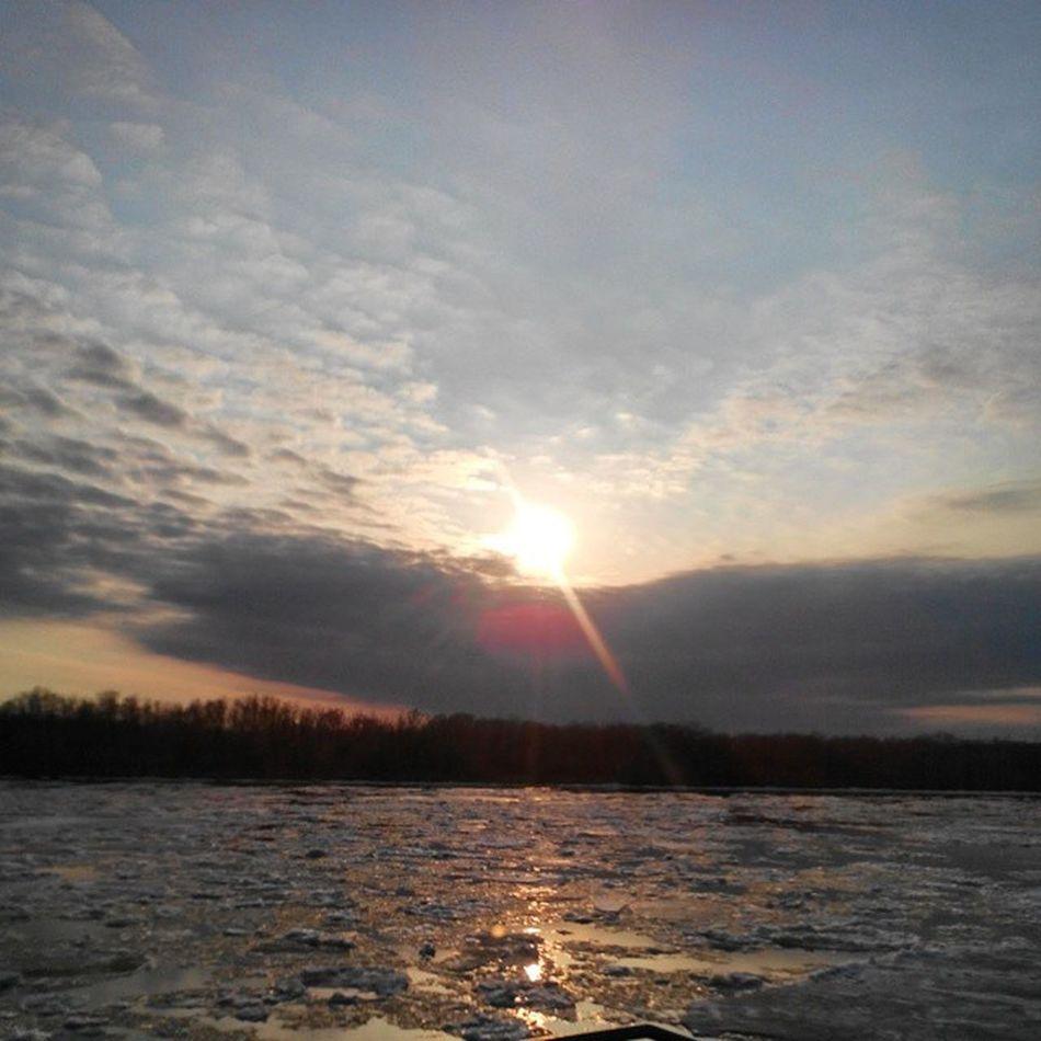 омск сибирь Иртыш Закат вечернийомск весна ледоход лед вода небомореоблака Omsk Siberia Skyseacloudes River Irtysh Sunset Evening Spring April Debacle