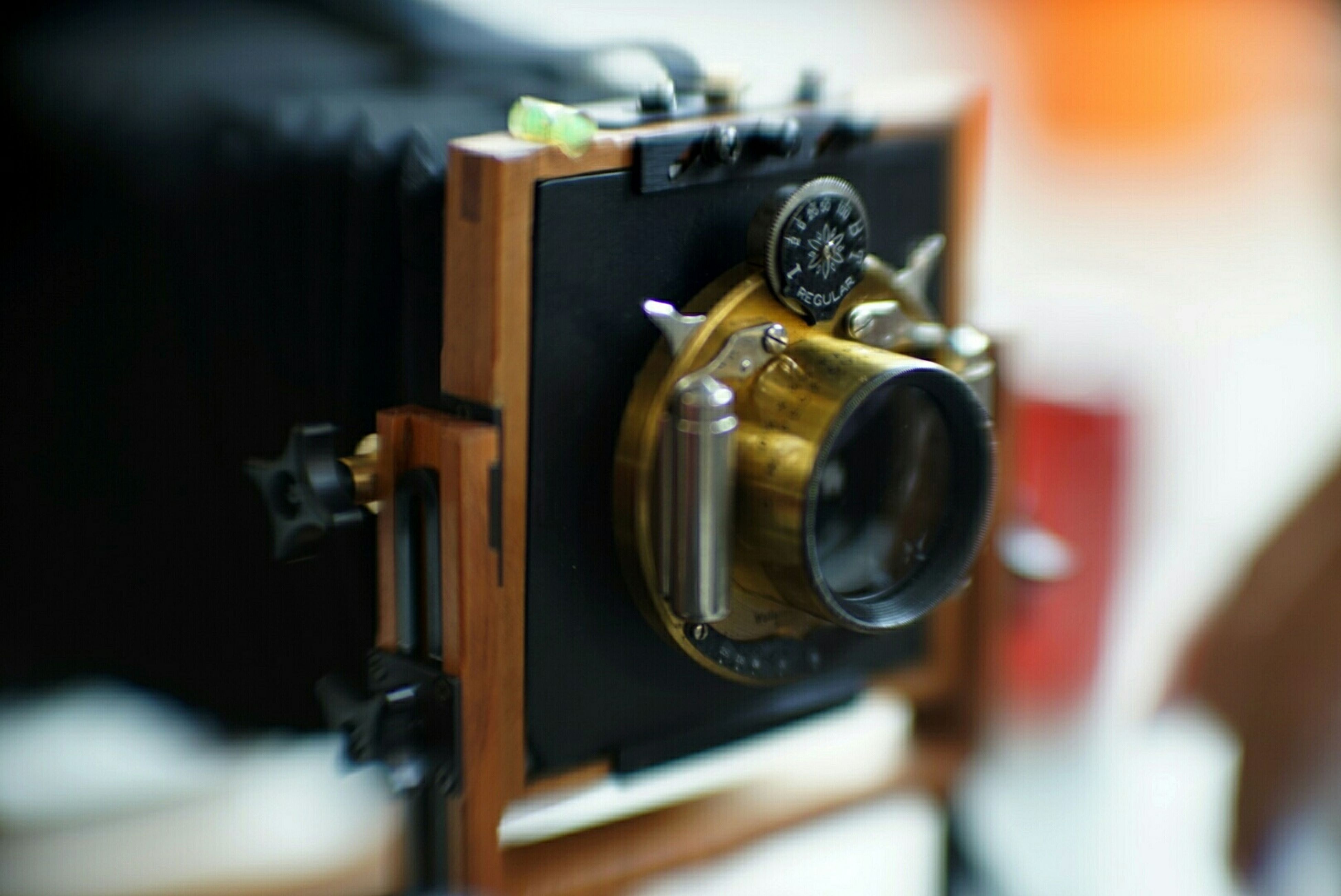 focus on foreground, selective focus, close-up, indoors, technology, old-fashioned, retro styled, metal, photography themes, camera - photographic equipment, equipment, antique, machinery, music, no people, still life, metallic, arts culture and entertainment, single object, table