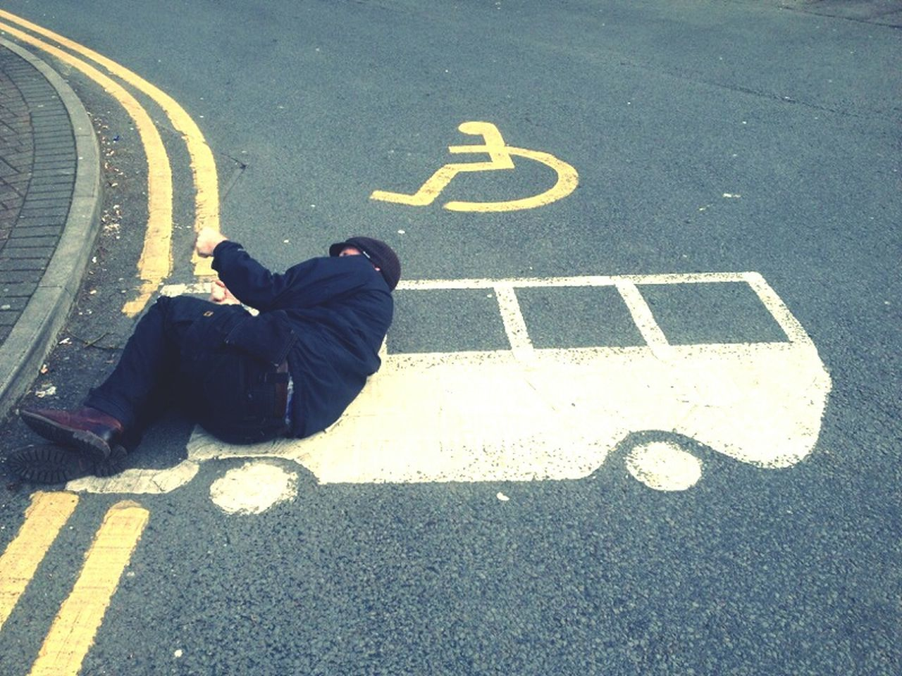 Photography In Motion Crash double yellow Ejectorseat 2D Flatpacktaxiwheelchair Exit