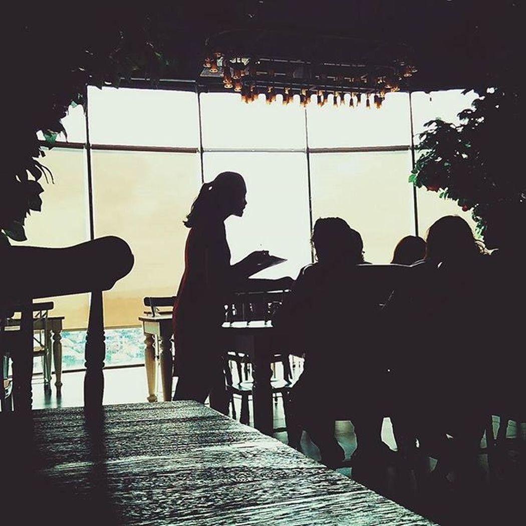 I like this place a few corners 💕 Smile Happy Good Goodtime Goodday Love Lovemyself Carnivorskybar Sweet Shillouette Nice Great Lamp Glass Coffee Xiaomi Xiaomiphotographyindonesia Redmi2camera Kamerahpgw Jakulsemarang Skypool Skybar Semaranghits Seputarsemarang People humaninterest peopleinframe