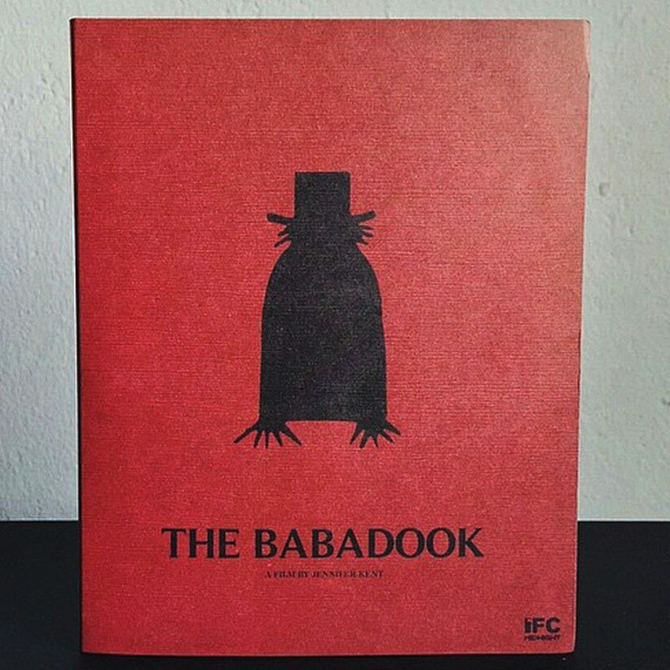 If it's in a word or in a look 👀. . .you can't get rid of The babadook. 👹 CurrentlyWatching Netflix Thriller Thebabadook Oneofthebestmoviesever Misterbabadook 👻 📖 😱