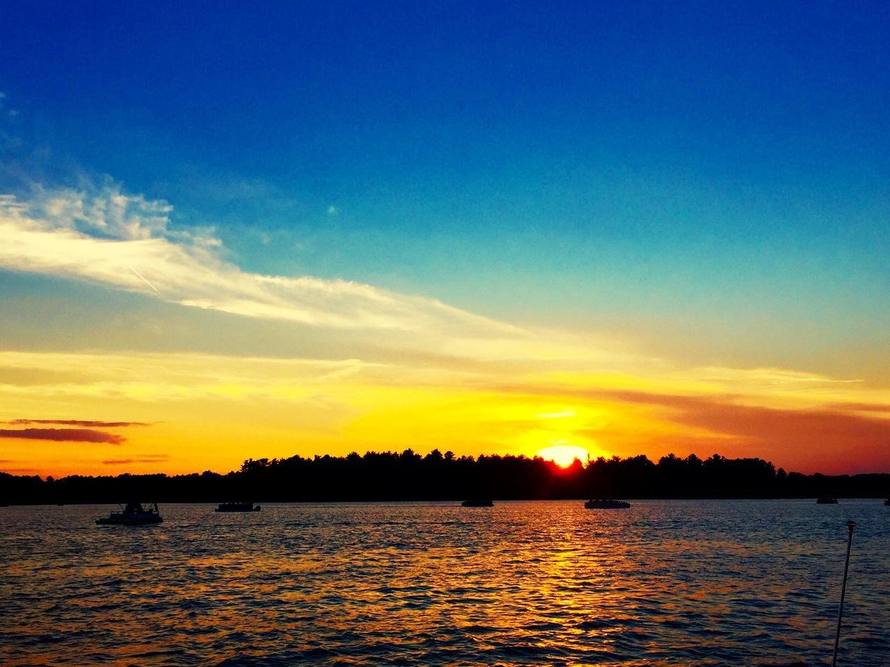 Calm Water Calm Water Sunset Boats Lake View Lake River Scenery