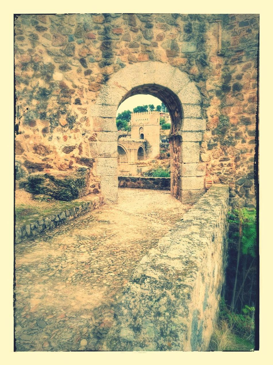 Outdoors No People Day Ioan Ioans Architecture City Life Imperial Palace Built Structure Tumblr ❤ Fotonatut Mate 8 Stone Wall Piedra