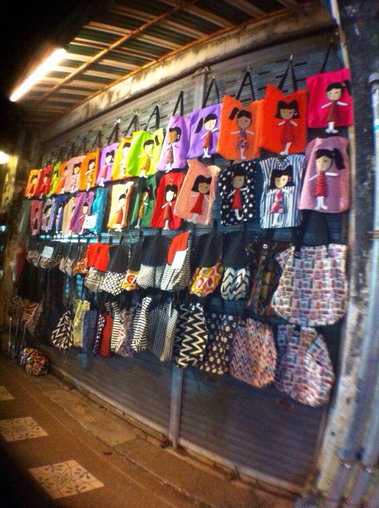 ร้านขายกระเป๋าน่ารักๆ Street Photography Street Fashion Cute Bag