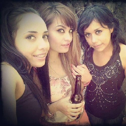<3 moments....Party ....Abrazoz .... :D