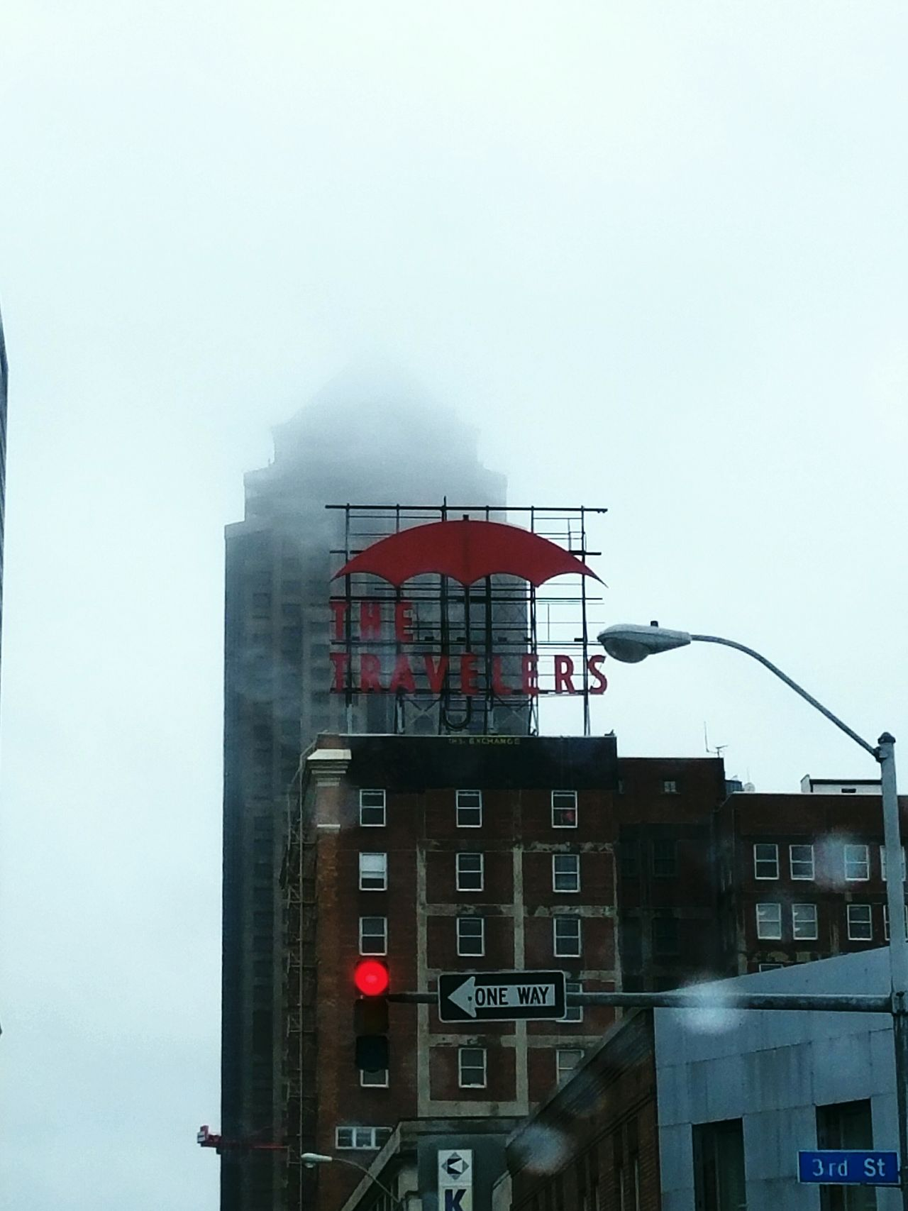 The Travelers Built Structure City Sky EyeEm RainDrop Weather EyeEm Best Shots Android Photography Rainy Days