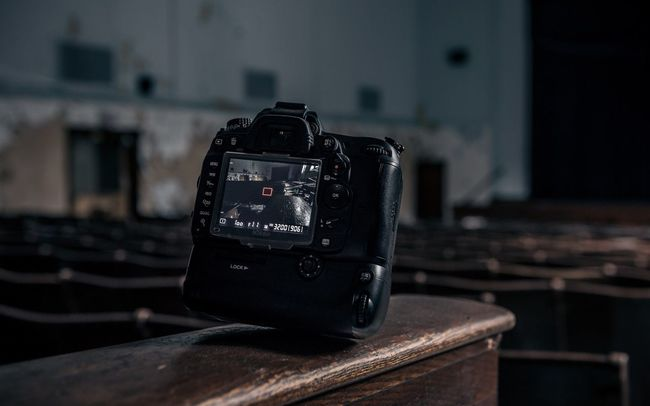 exploring an abandoned Detroit school Camera - Photographic Equipment Tranquility Technology Abandoned Urban Exploration