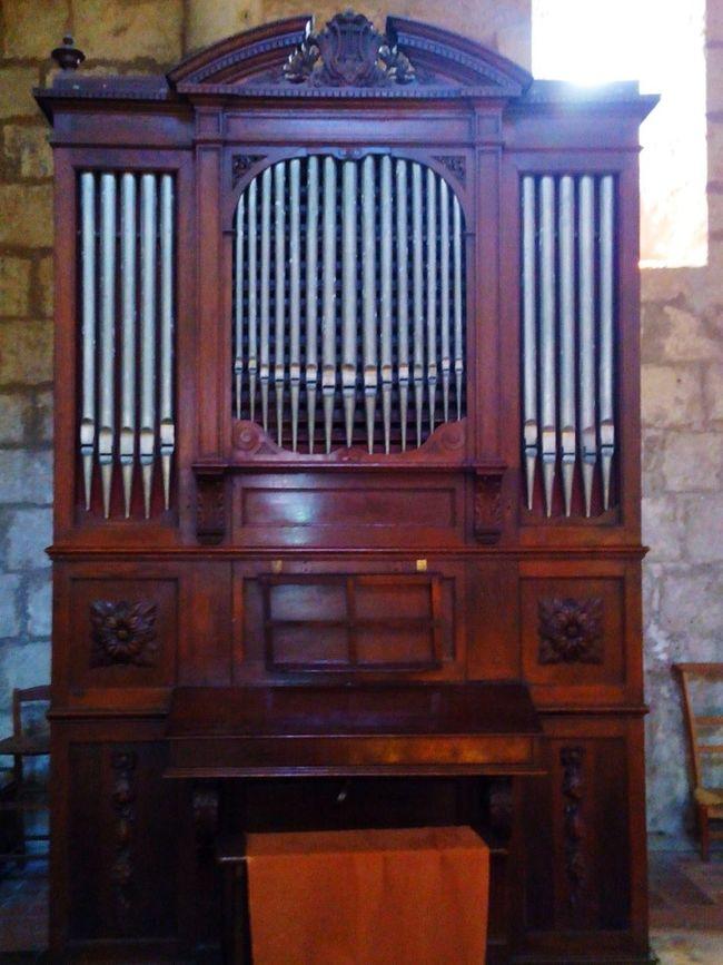 Orgue simple. Discovering Great Works Wiko Charente Soleil Taking Photos Travel Printemps Eglise Art Roman Music