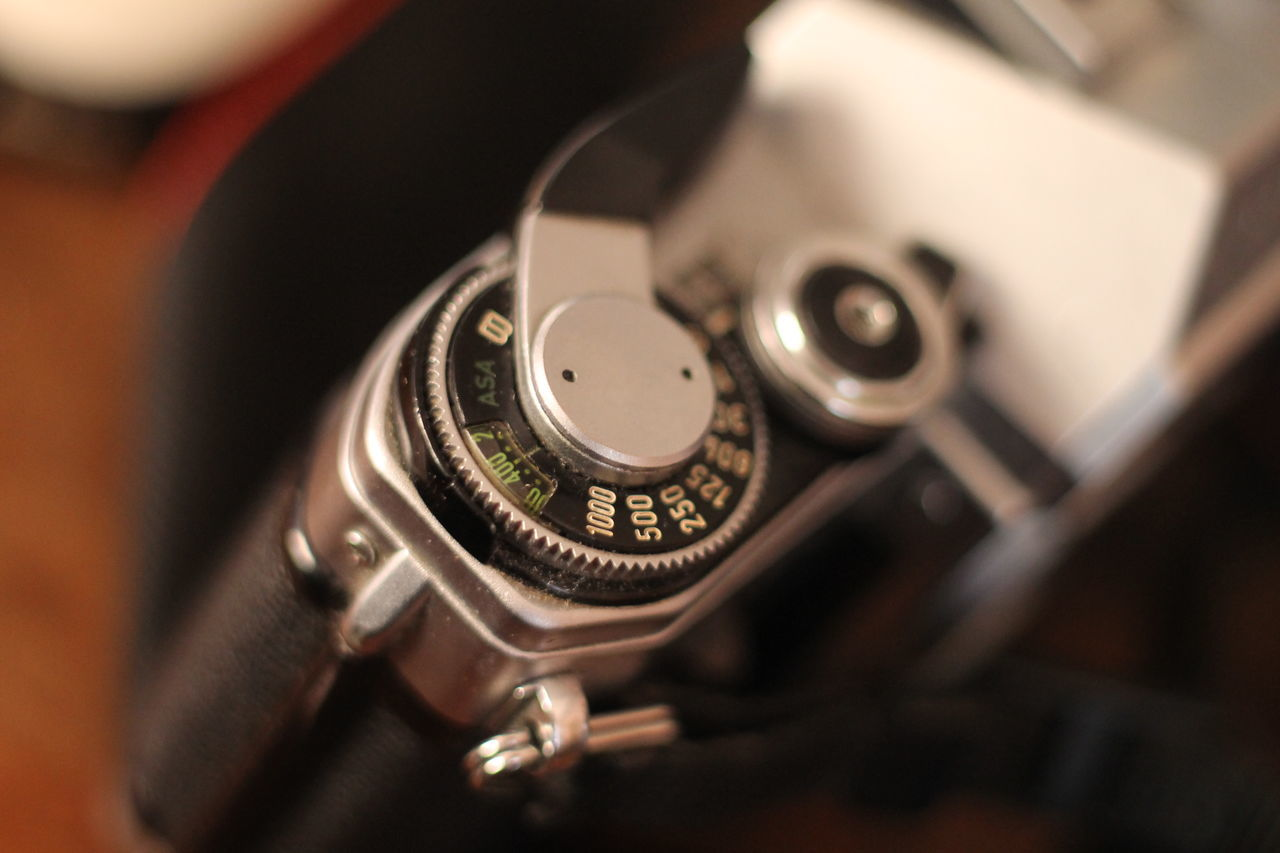 Camera Canon Close-up Film Camera Indoors  ISO No People Shutterspeed SLR Camera Technology