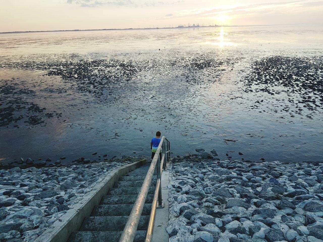 Ebbe Nordsee Dämmerung Junge