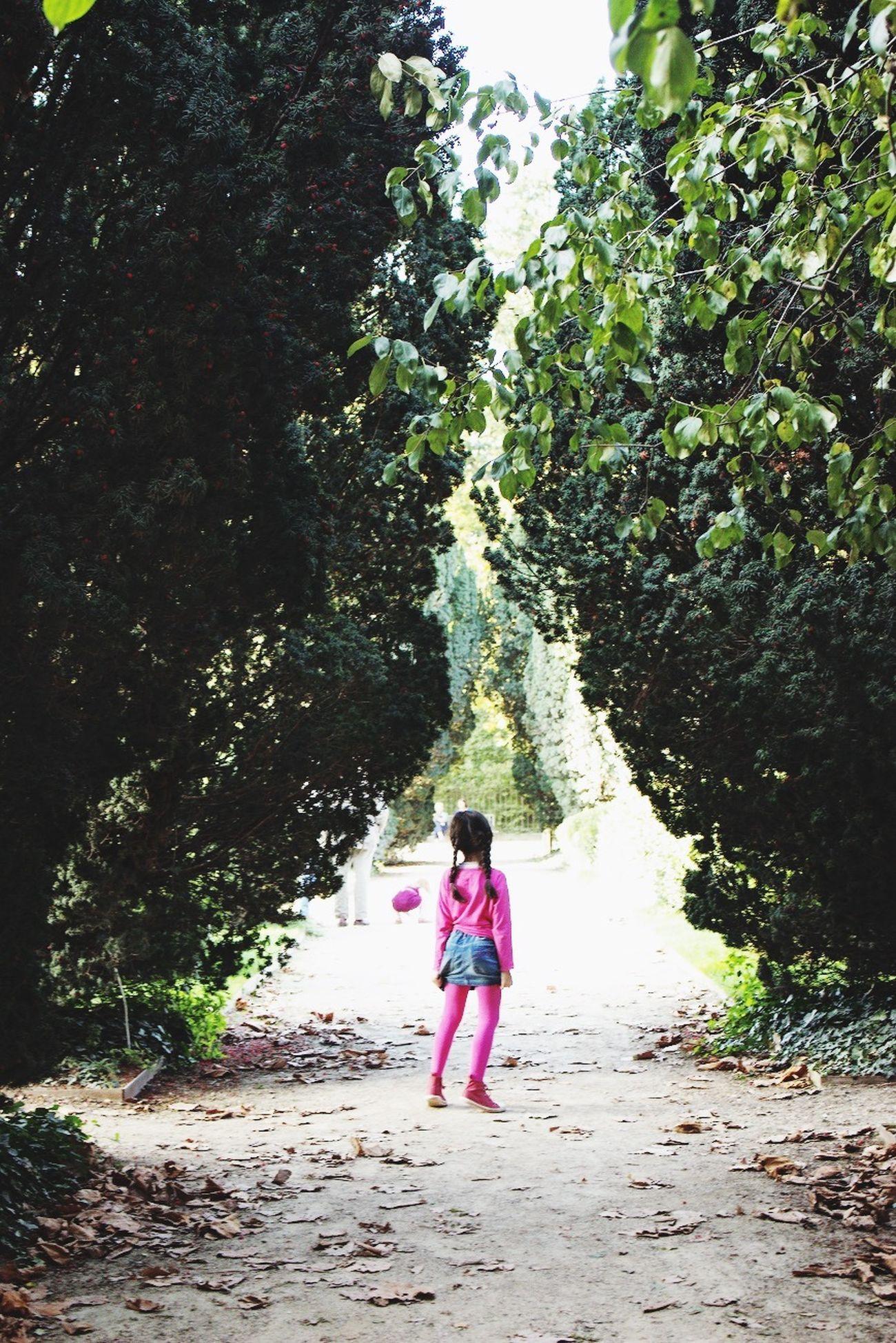Elyssa au pays imaginaire Shootermag Jardin Des Plantes  Nature Paris