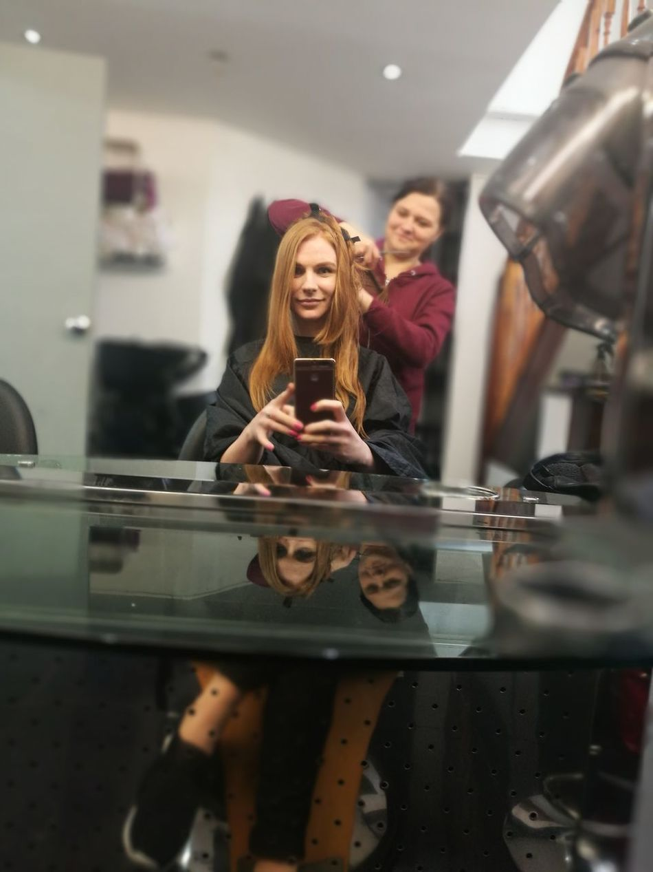 Smiling Women Real People Young Women Two People Hairdresser Mirror Reflection Happiness Young Adult Business People Day Today Hairstyle Haircut Hairsalon Hairdressing Hairs Redhead Doni