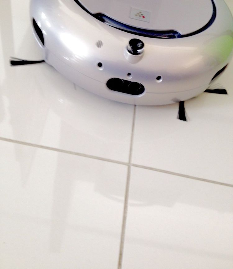 Day109: vacuum cleaner at my office. So adorable! She even speaks!! Vacuum Cleaner Robot Cute Face Cleaning Cleaning My Room