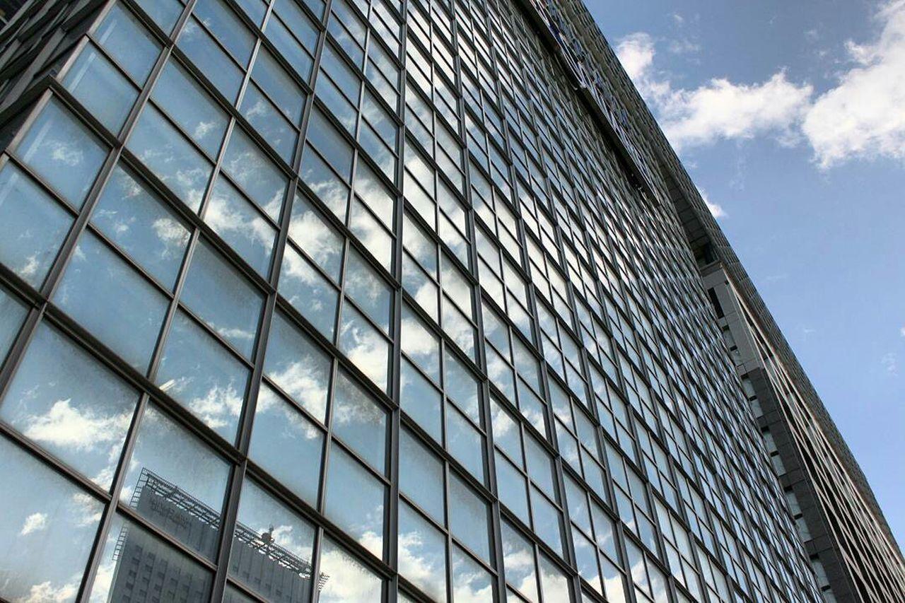 東京 新宿 Architecture Building Exterior Built Structure City Low Angle View Skyscraper Sky Outdoors Façade Day City Life Modern No People
