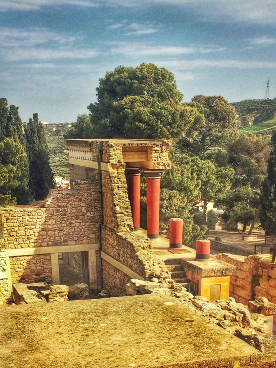 The Architect - 2016 EyeEm Awards Found On The Roll Enjoying Life Taking Photos VisitGreece Crete Greece Check This Out Ancient Architecture Ancient Crete Acient Palace Knossos Palace Architecture
