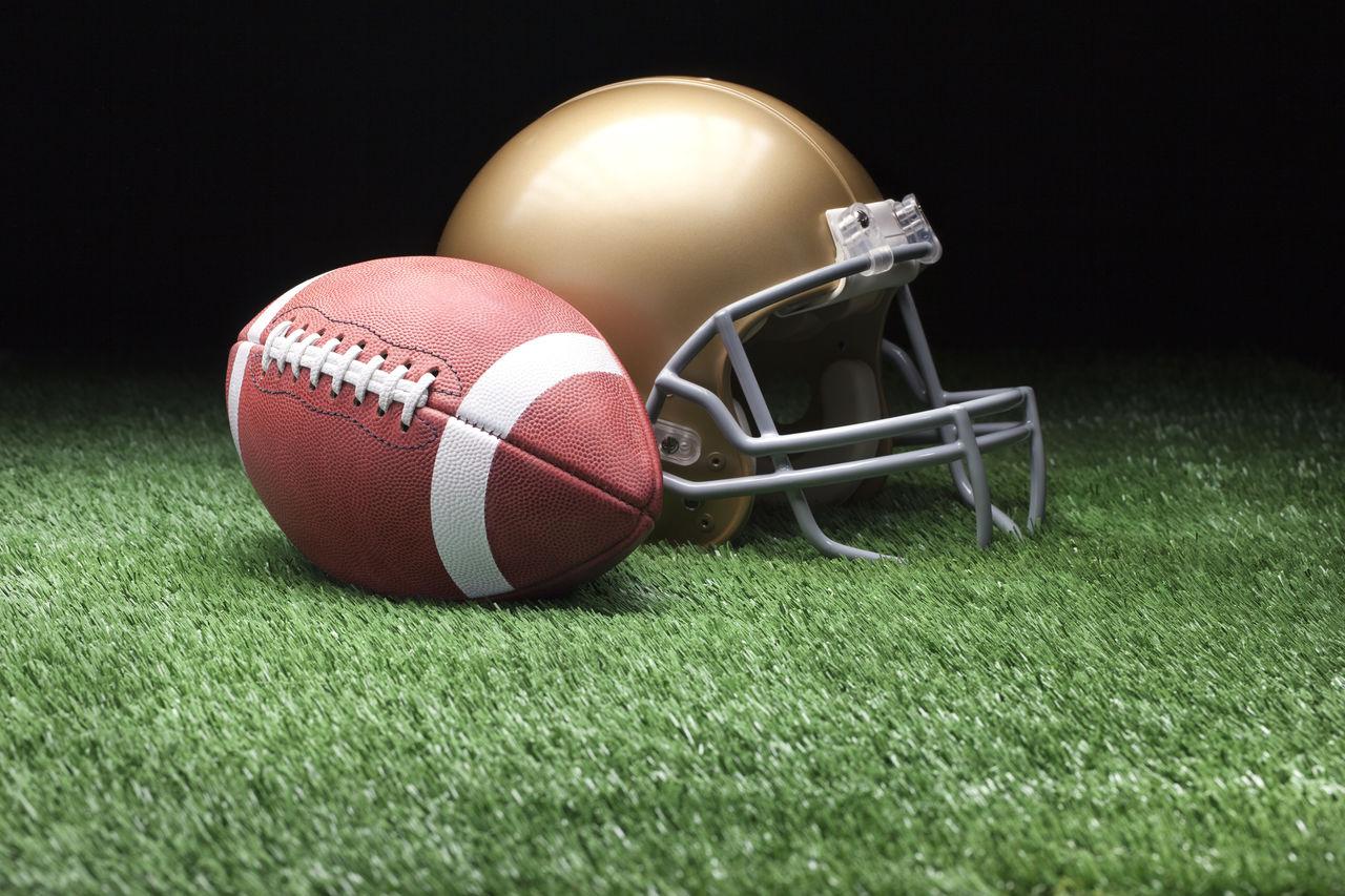 Beautiful stock photos of menschen, American Culture, American Football - Ball, American Football - Sport, American Football Field