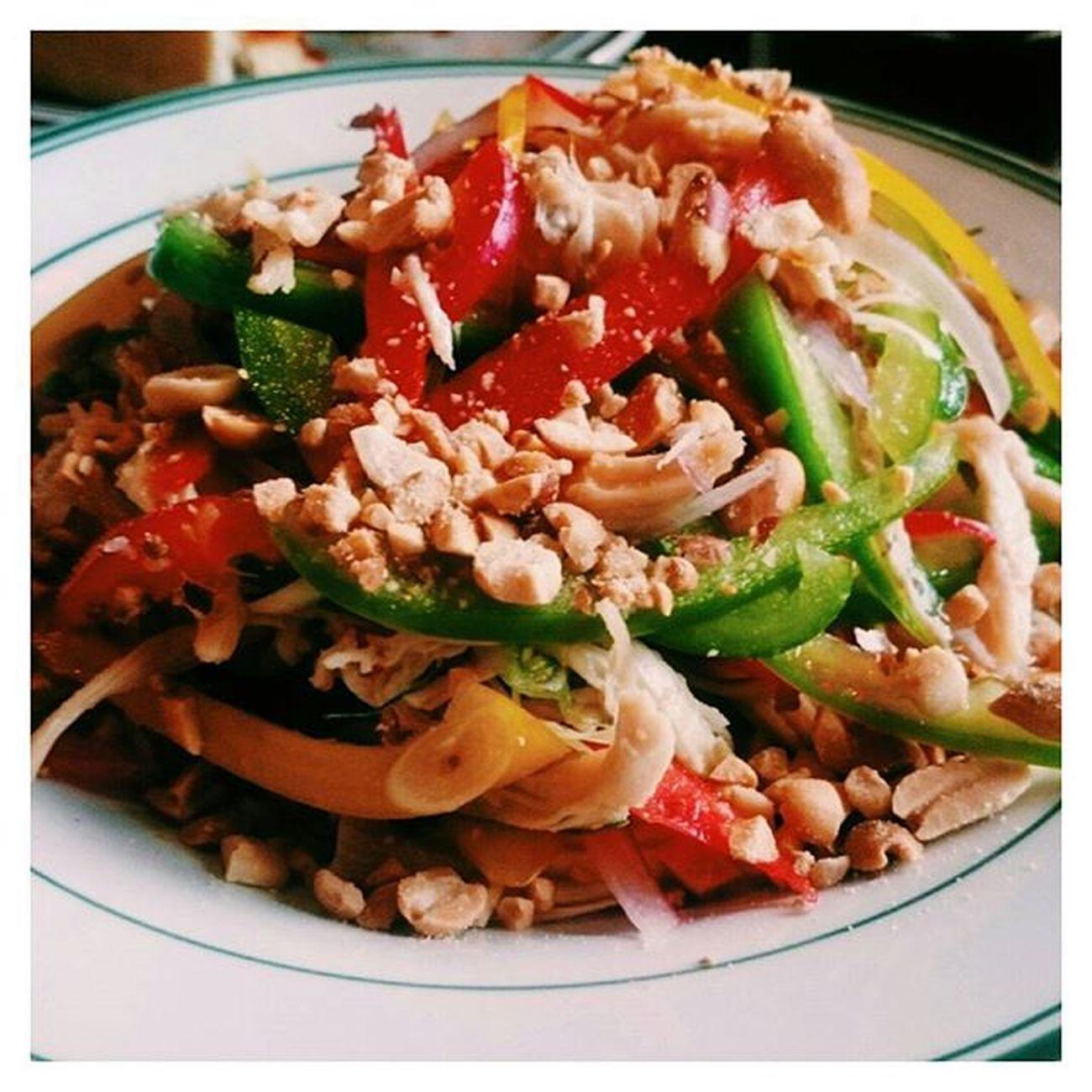 Đi ăn Cowboy Jack's mẩn mê đĩa salad còn hơn cả cái pizza 😝😝😝 Cowboyjacks Salad Yummy Susfoodtrip Lozi Lozihn Lozihanoi Foody Foodyhanoi Zizohanoi Foodporn Foodstagram Foodie Instafood FoodADDICT