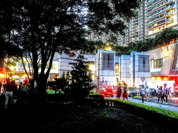 Citystreet Illuminated Lifestyles Skyscraper Cityescape Hang Hau
