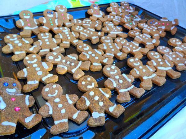 Cookies Cookies🍪 COOKIES! Cookie Time Cookieslover Cookie Love Gingerbread Cookie Gingerbreadman Gingerbread Man Ginger Cookies Christmastime Christmas Is Coming Christmas Cookies Christmas Time Backgrounds Background Background Photography