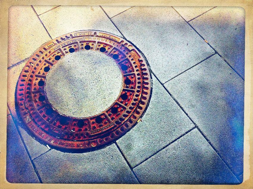 Gulli @ Bahnhof Lichtenberg / Berlin | Street Photography
