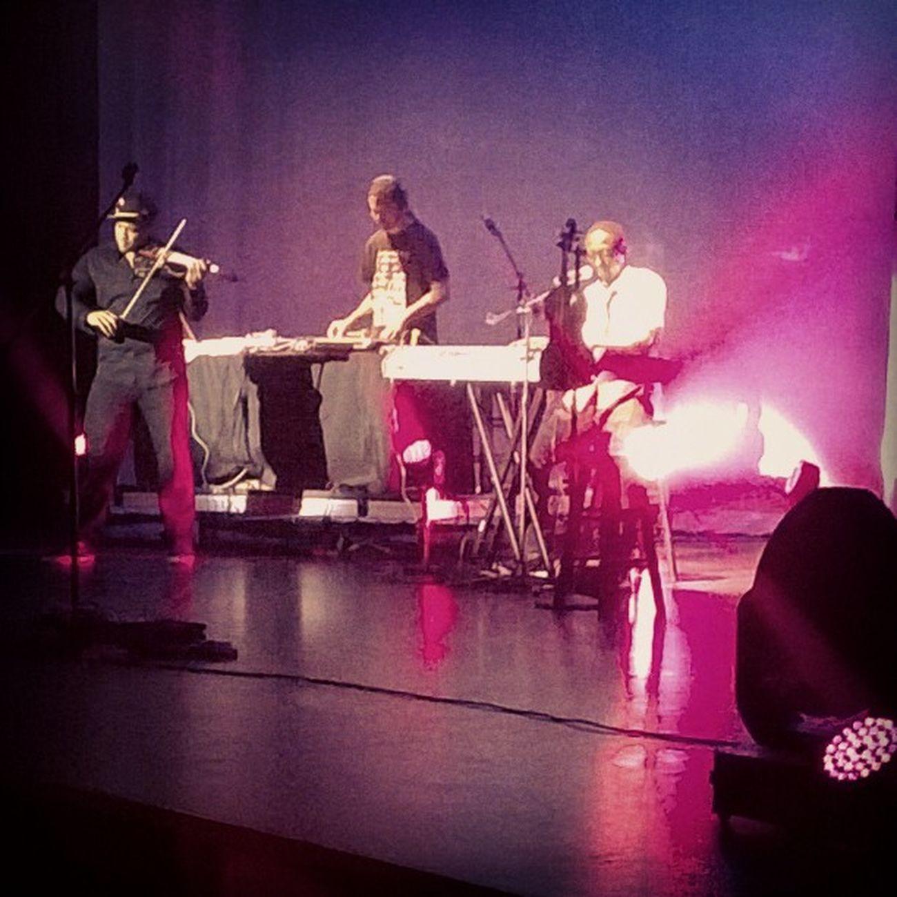 BlackViolin played up the strings tonight! Tamu