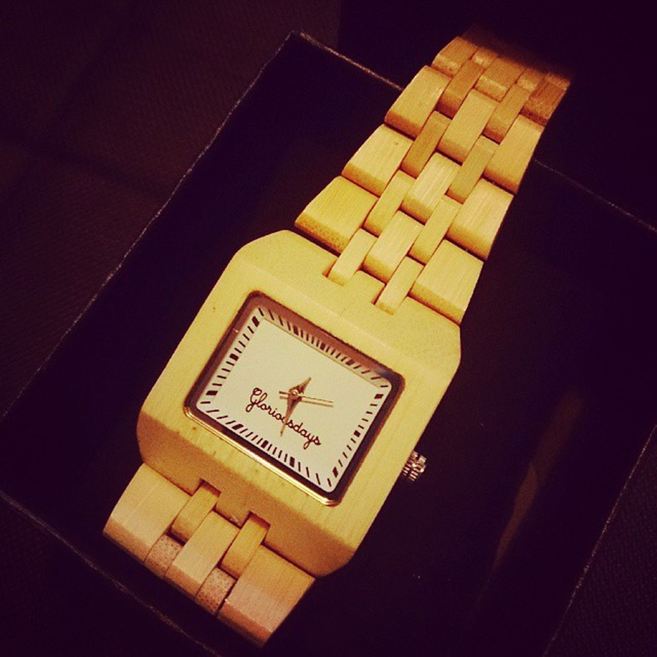 Love my boy, he's such aclever lad........he checked out my pinterest for pressie ideas, have wanted this watch for ages :) Mycamerastories Birthday 30thBirthday Pressie bamboo gloriousdays watch love pinterest beautiful cleverlad happybirthday smile happy wherehastimegone allgrownup