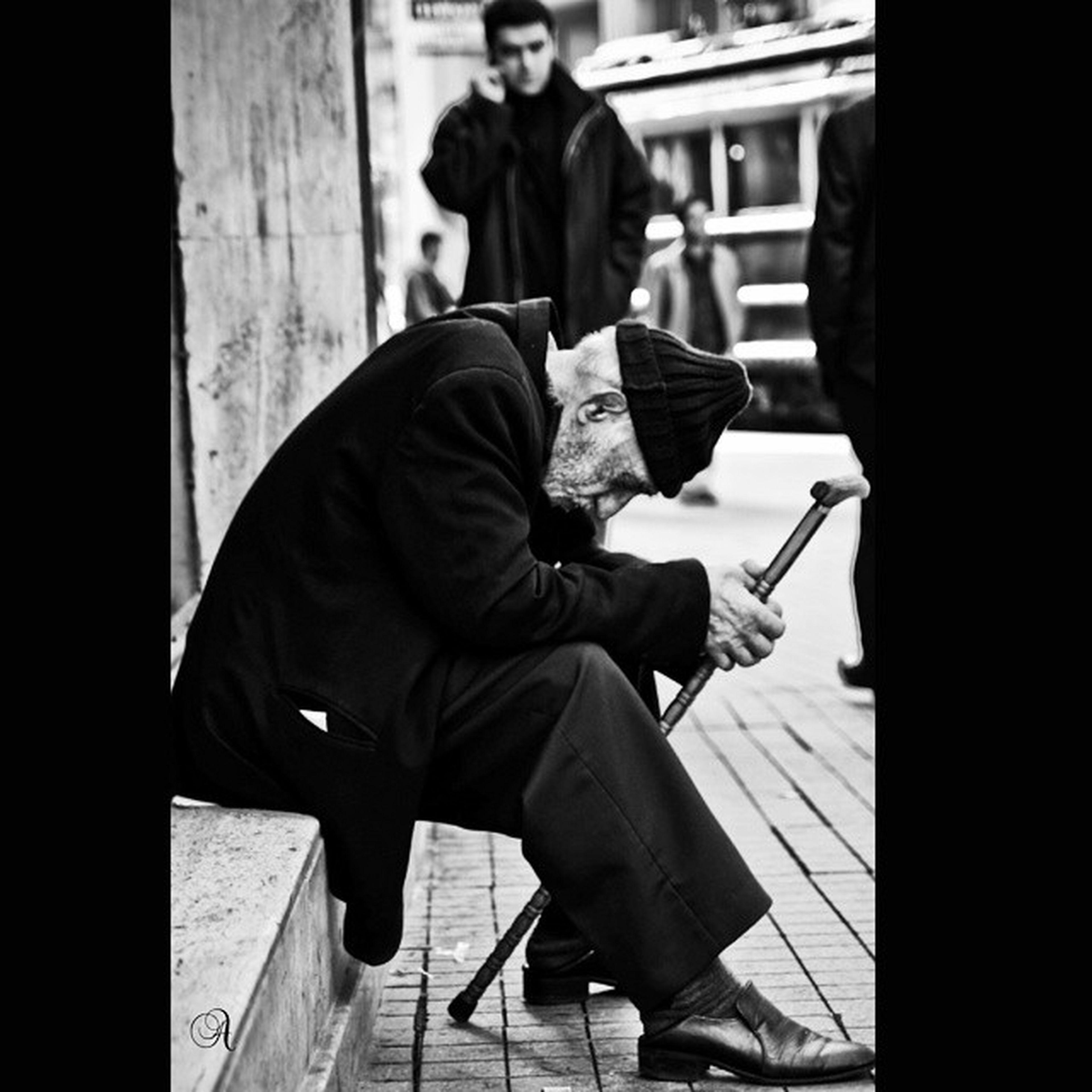 Felaketten sonra ölenlerdn çok kalanlar içimi acıtır.Bin türlü acı ve çaresizlkle başetmek çok zor.Ölenlere rahmet kalanlara sabır🙏 bizim yardım ekiplerimizde ulaşmış afet bölgesine 🏼 Dirennepal 🙏🙏🙏🙏