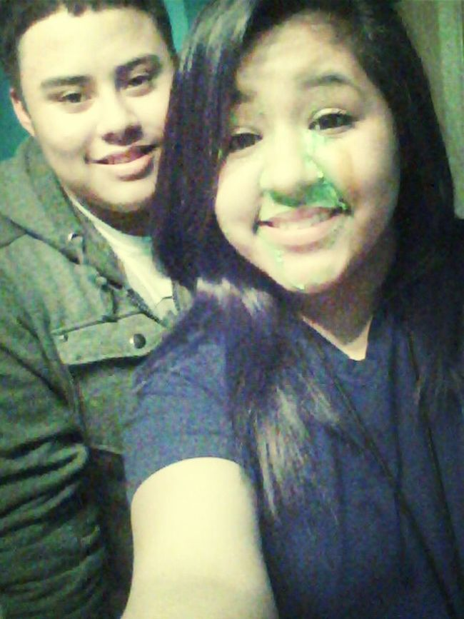 hee rubbed cake all over face :( it was cool though :P